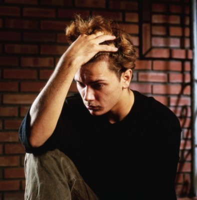 http://riverphoenix.com/river_phoenix_photos/0%20G155760_b.jpg